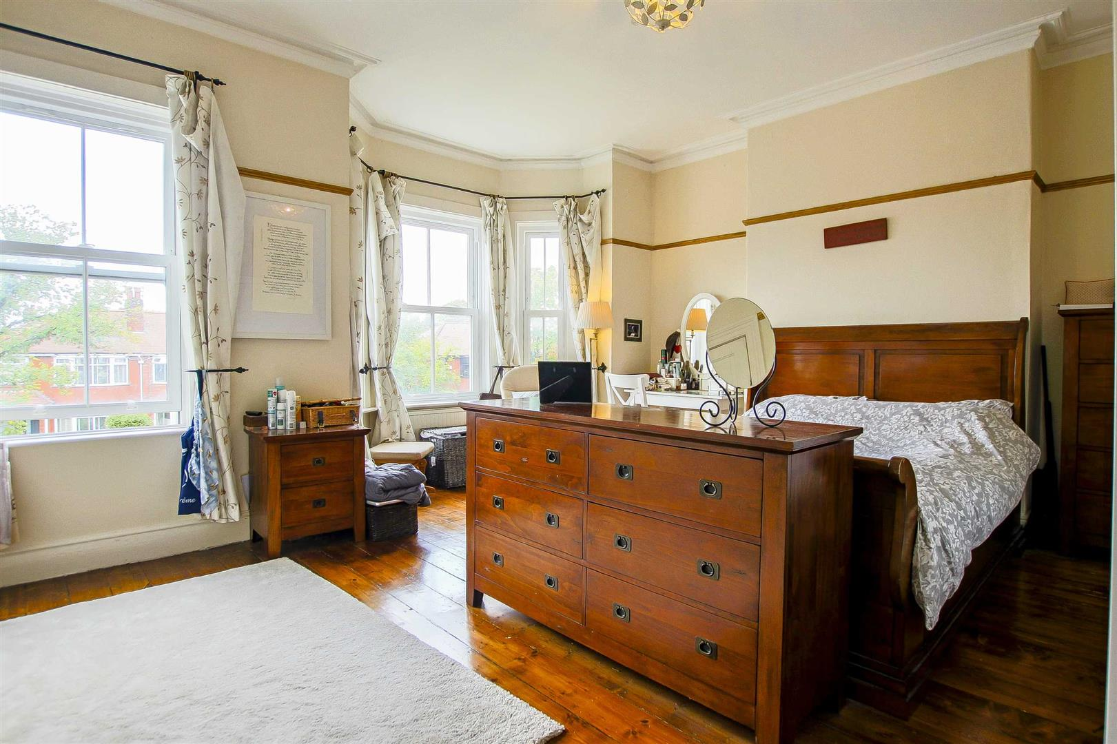 5 Bedroom Terraced House For Sale - Image 5
